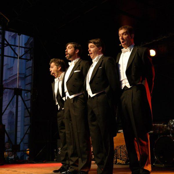 UniCredit Festspiel-Nacht 2014: Die Open-Air-Bühne in männlicher Hand