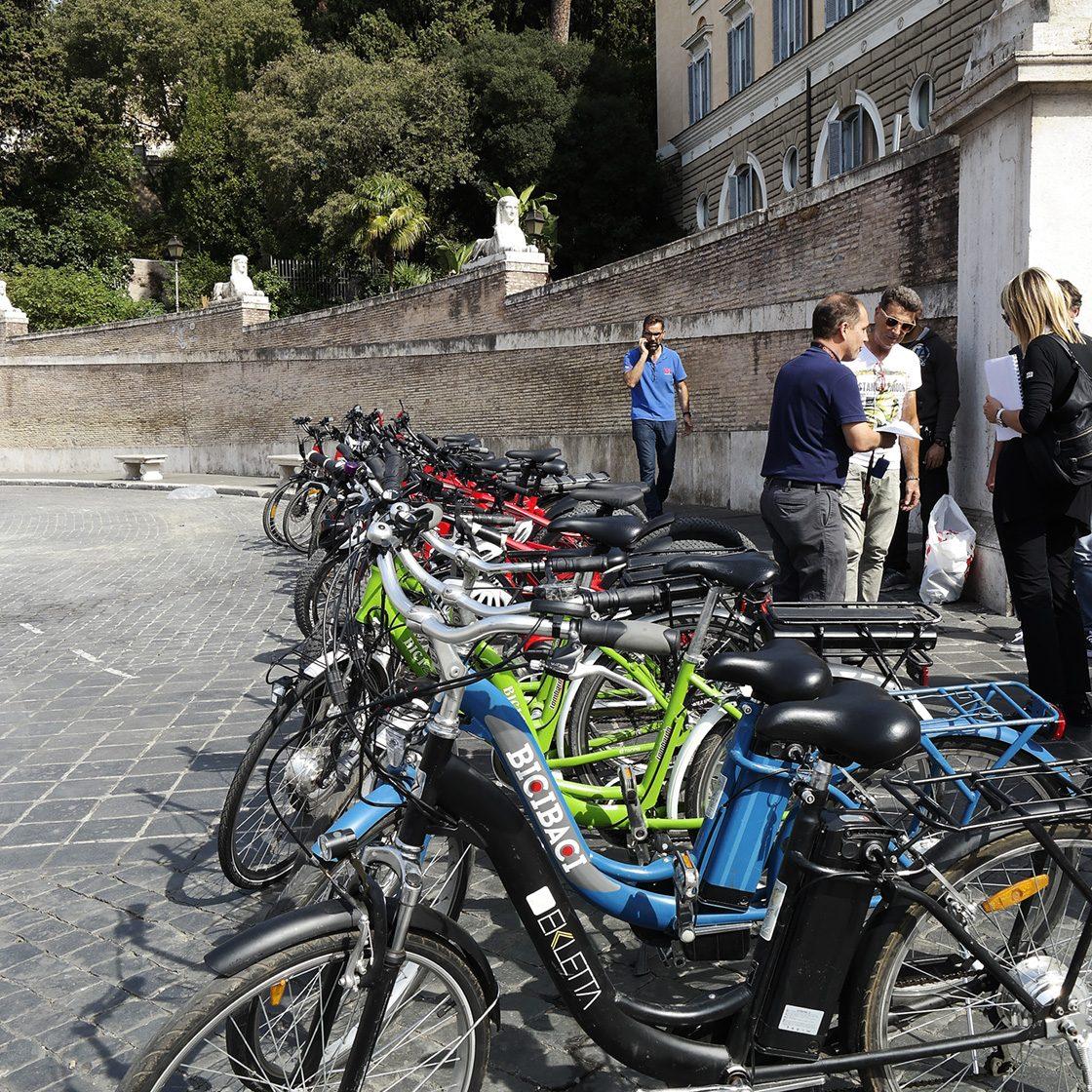 Stadtrundfahrt mit Mountanbikes und E-Bikes durch Rom, Italien