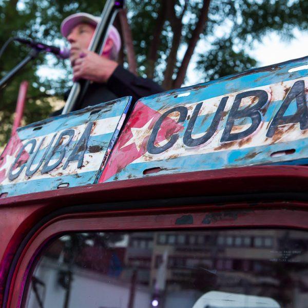 Kubanische Rhythmen heizten den Gästen ein.