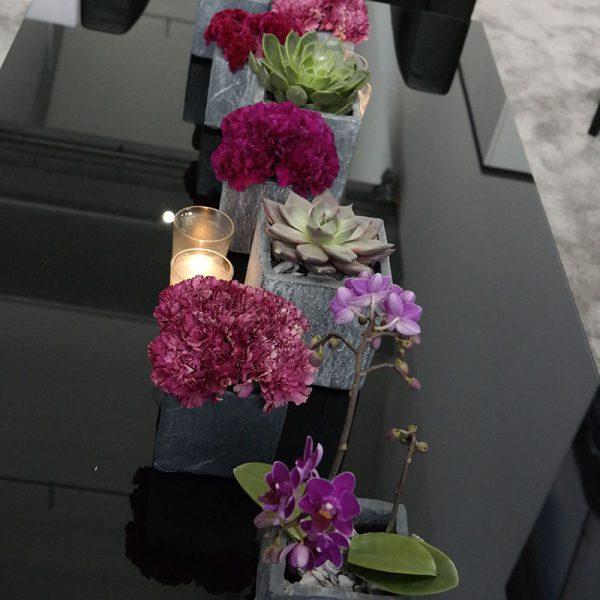 Recherche: Wer liefert die Blumendekoration?